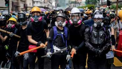 Photo of هونج كونج تعلق خدمة القطارات للمطار بسبب الاحتجاجات