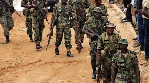 Photo of مقتل 25 جنديًا في مالي أثناء هجمات نفذها متطرفون