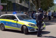 Photo of الشرطة الألمانية تحقق في اعتداء على سيدة يهودية بحجر