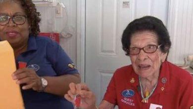 Photo of أمريكية عمرها 101 عامًا تعمل كموظفة استقبال بدوام كامل