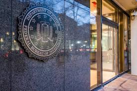 """Photo of """"FBI"""" تحذر من تداعيات خطة فيسبوك لتشفير البيانات على حماية الأطفال"""