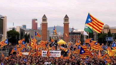 Photo of متظاهرو كتالونيا يسدون الطرق المؤدية إلى كنيسة شهيرة في برشلونة