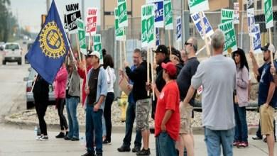 Photo of تعثر المفاوضات بين جنرال موتورز ونقابة العمال لإنهاء الإضراب