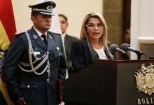 Photo of رئيسة بوليفيا تهدد موراليس بالمثول أمام القضاء إذا عاد إلى البلاد