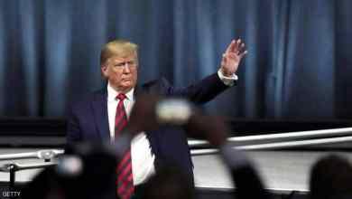 Photo of استطلاع: 49% من الأمريكيين يؤيدون عزل ترامب