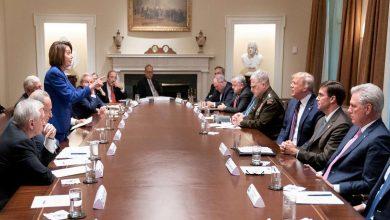 Photo of ترامب يقول إن بيلوسي تشعر حياله بالحسد