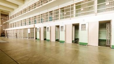 Photo of أمريكي يفشل في الحياة خارج السجن فيعود إليه ثم ينتحر