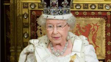 Photo of الملكة إليزابيث توقع على انسحاب بريطانيا من الاتحاد الأوروبي