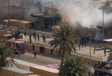 Photo of سقوط 3 صواريخ كاتيوشا بالقرب من محيط السفارة الأمريكية وسط بغداد (فيديو)