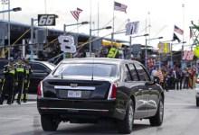 Photo of ترامب يقود سيارته الوحش في افتتاح سباق دايتونا 500 (فيديو)