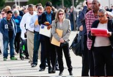 Photo of طلبات إعانة البطالة أقل من المليون لأول مرة منذ بدء أزمة كورونا