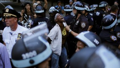 Photo of ترامب يوقع مرسومًا لإصلاح الشرطة.. هل استجاب لمطالب المحتجين؟
