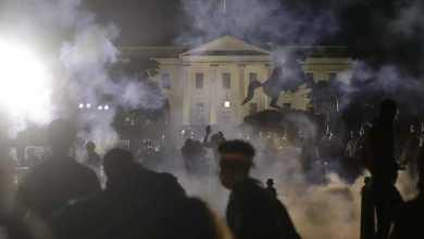 Photo of واشنطن تعلن حظر التجوال وسط تصاعد عنف الاحتجاجات