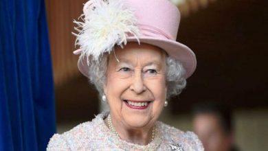 Photo of ملكة بريطانيا تظهر علنًا للمرة الأولى بعد غيابها لعدة أشهر