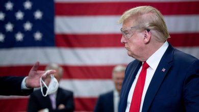 """Photo of ارتداء الكمامات يوحّد الجميع ضد ترامب.. لكنه يراها """"خيار شخصي"""""""