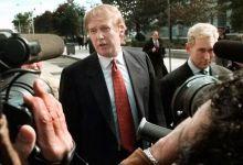 "Photo of ترامب ينقذ صديقه ومستشاره السابق ""روجر ستون"" من السجن"