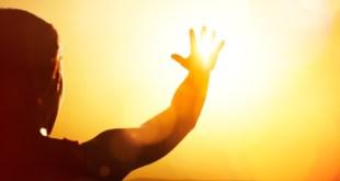 مقتطف - كيف تتجنب ضربة الشمس ؟