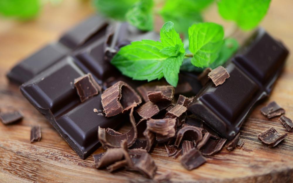 مقال - دراسة جديدة تكشف سر فوائد الشوكولاته الداكنة!! - موقع علوم العرب
