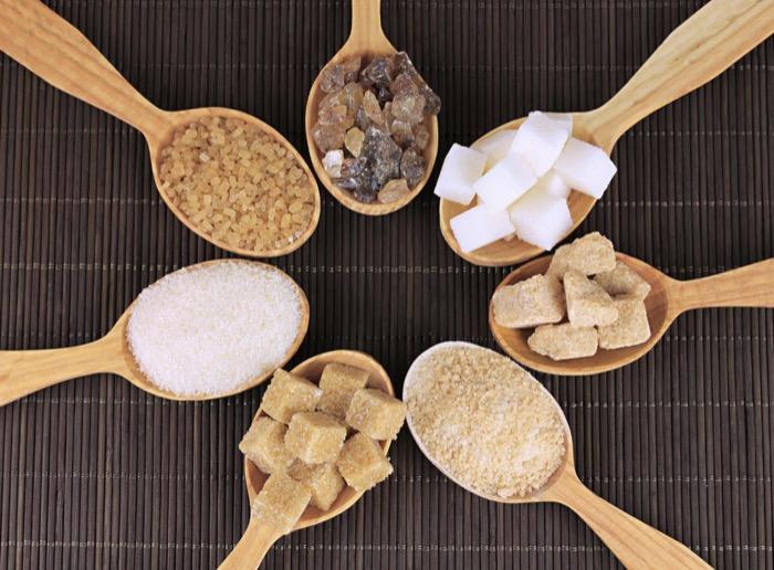 السكر مهما اختلفت أنواعه و ألوانه مضر بالصحة