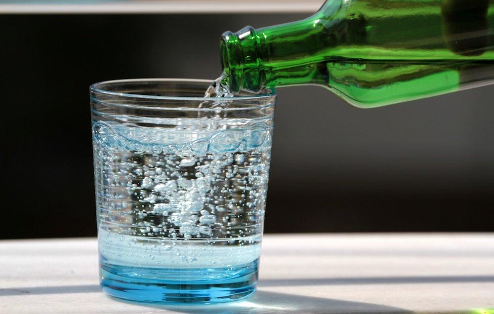 مقال – ما الذي يحدث في جسمك بعد تناول المياه الغازية؟