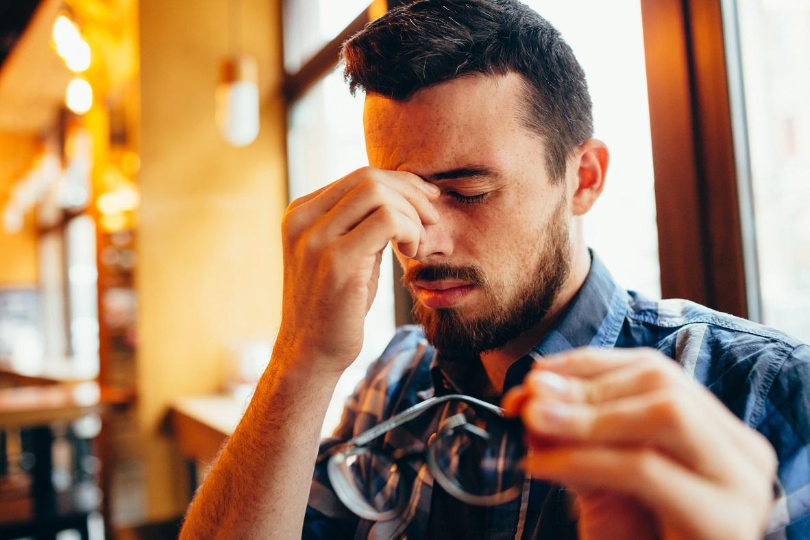 مقال - كيف تحمي عينيك من الهاتف باستخدام قاعدة 20-20-20؟