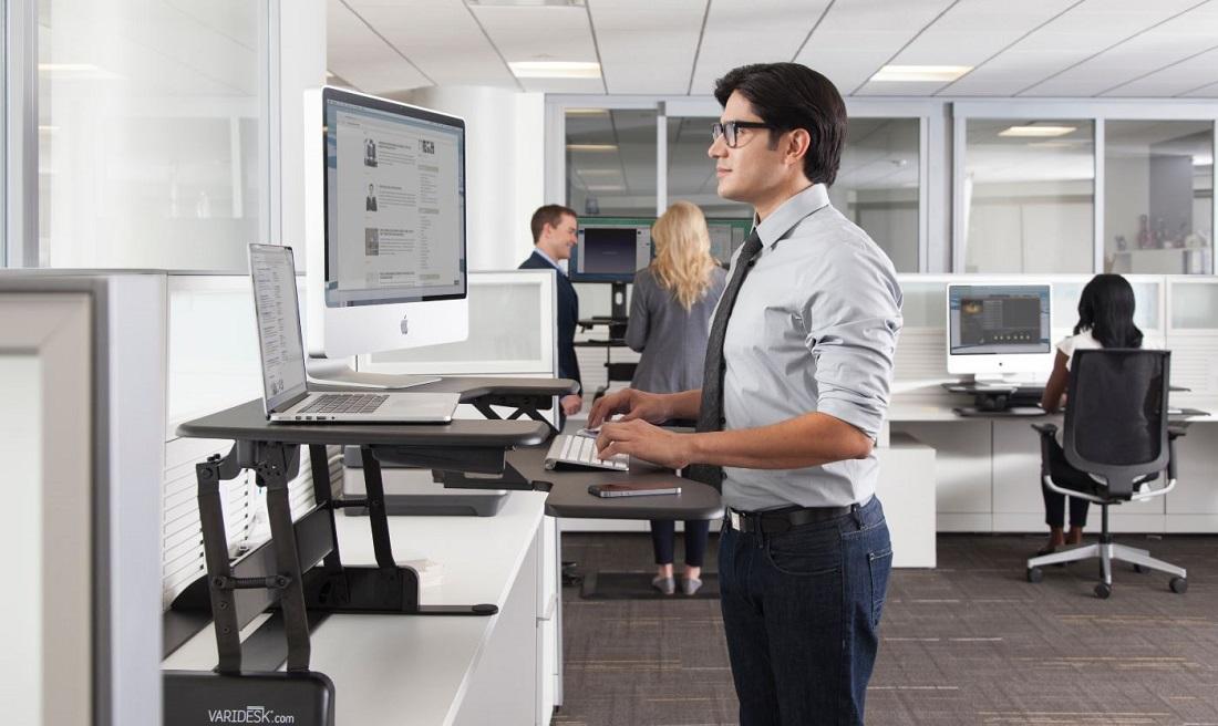 مقال – العمل في المكتب وقوفا.. أفضل للصحة؟