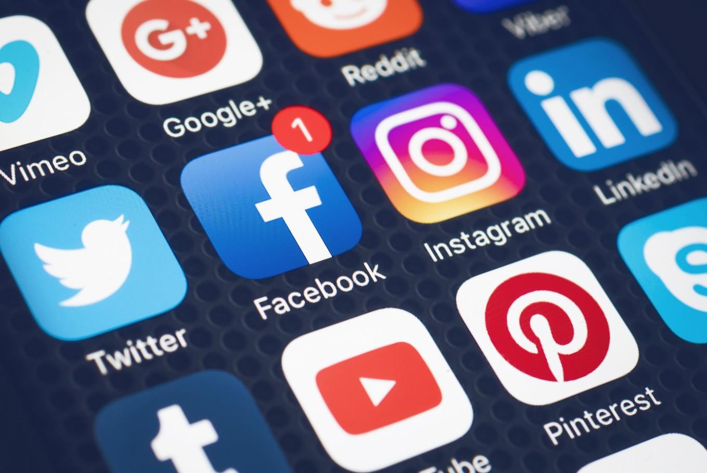 مقال – كيف تشوّش مواقع التواصل الاجتماعي دماغك؟