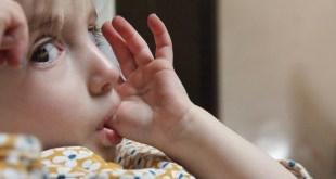 مقال - لماذا يمص الأطفال أصابعهم؟