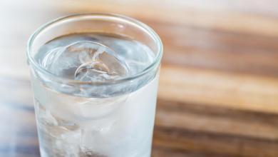 هل شرب الماء البارد ضار ؟