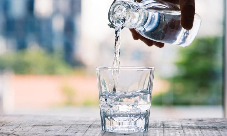 ما هي كمية الماء المناسبة للشرب يومياً؟
