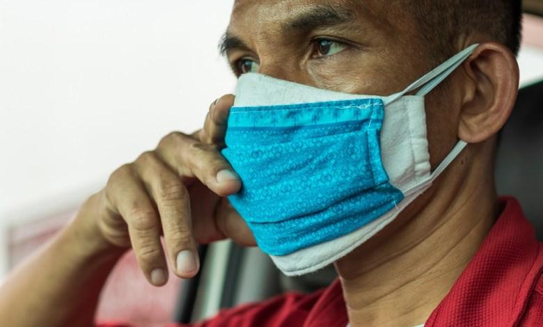 هل ارتداء كمامتين يوفر حماية أفضل من فيروس كورونا؟