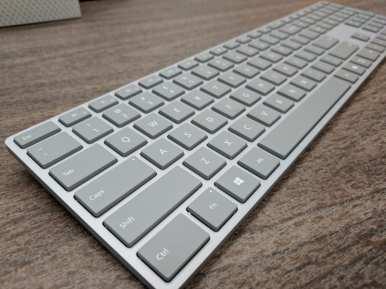 Microsoft Surface- لوحات مفاتيح الكمبيوتر اللاسلكية
