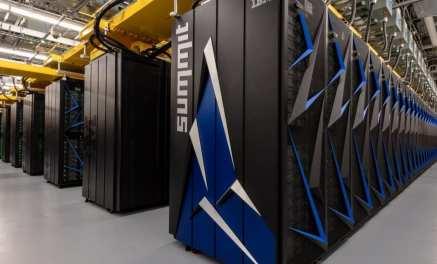 SUMMIT أشهر أجهزة الكمبيوتر العملاقة