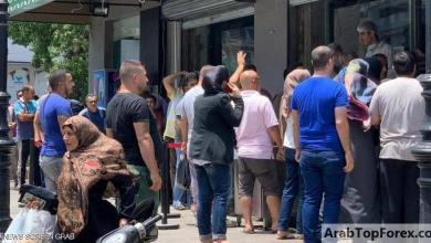 """Photo of """"طوابير الخبز"""" تعود إلى لبنان بفعل أزمة الدولار"""
