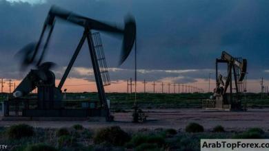 صورة النفط يصعد بعد هبوط المخزونات الأميركية