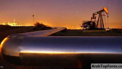 صورة النفط يهبط دولارا واحدا للبرميل