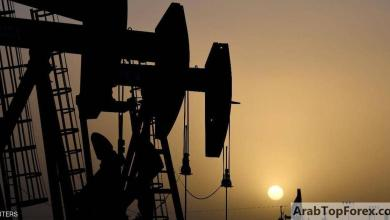 """صورة النفط ينخفض بفعل """"قفزة"""" إصابات كورونا"""