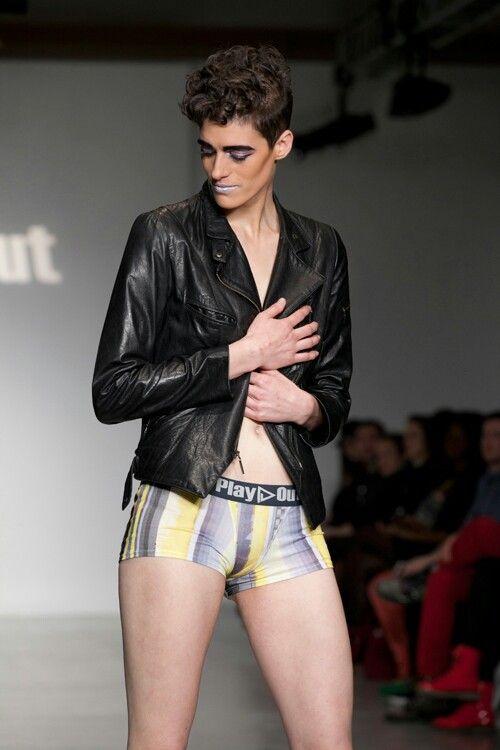 رين دوف ، ملابس داخلية من كالفن كلاين
