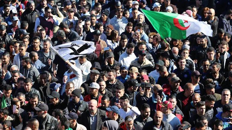 الحراك الشعبي في الجزائر ( العشرية البيضاء )