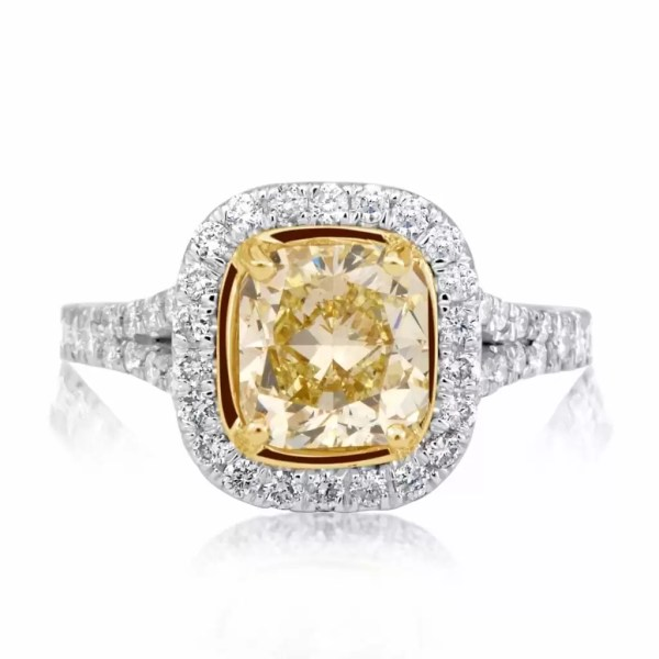 3.75 Ct Cushion Cut Vs1 Diamond Solitaire Engagement Ring 18K Gold 3