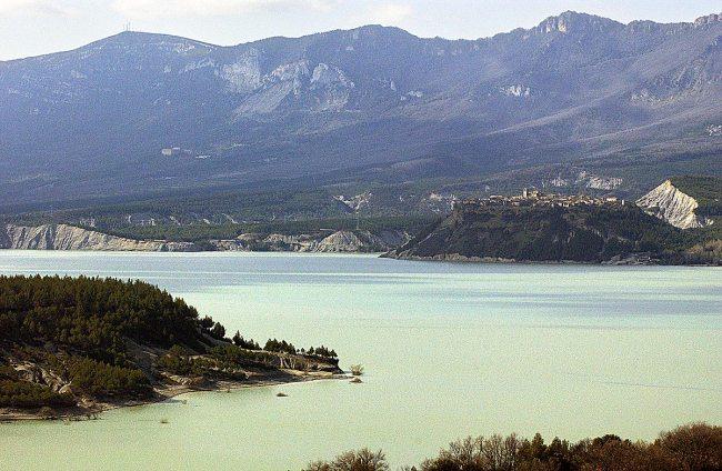 Yesa y Tiermas vistas desde Ruesta.