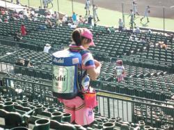 【アルバイト】野球場で売り子として働くには