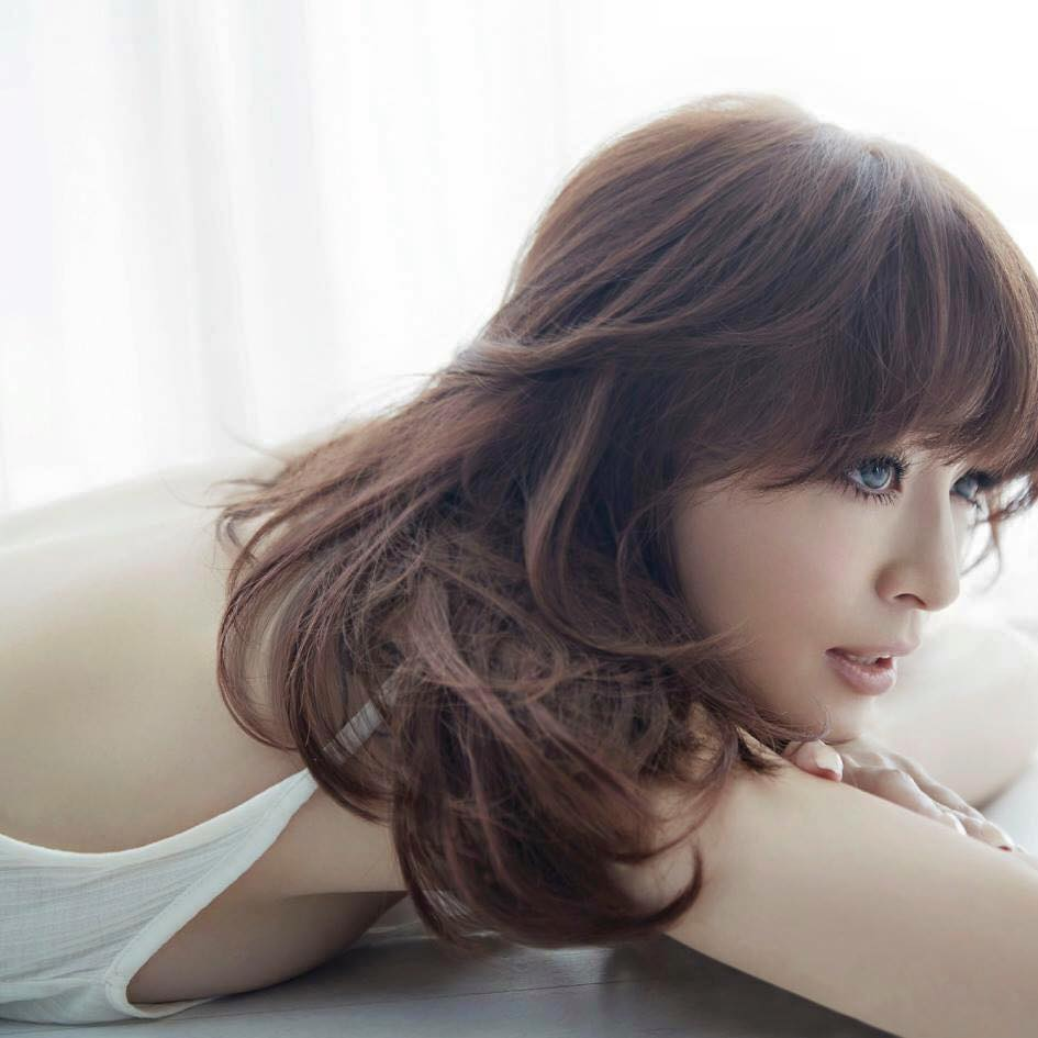 Ayumi Hamasaki Losing Hearing in Right Ear; Already Deaf in Left Ear