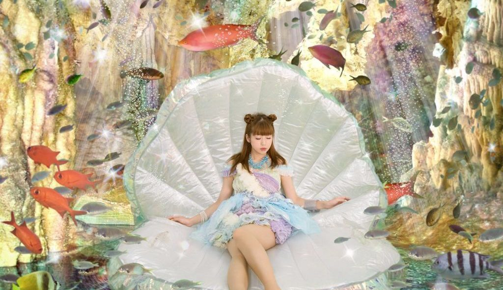 "J-electropop singer SAWA releases new MV for ""Oboroge Dancing"""