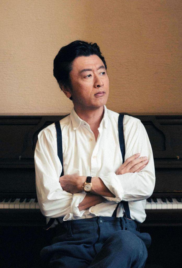 """Keisuke Kuwata to perform the theme song for upcoming Asadora """"Hiyokko"""""""