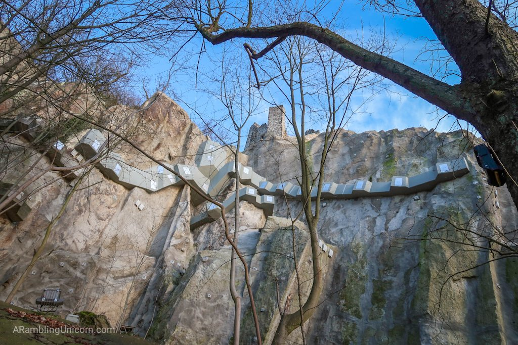 Drachenburg Cliff reinforced to protect against collapse