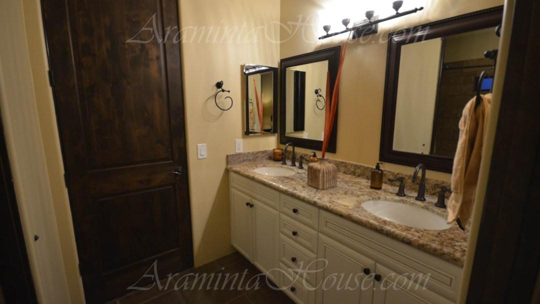 Araminta Jack and Jill bathroom