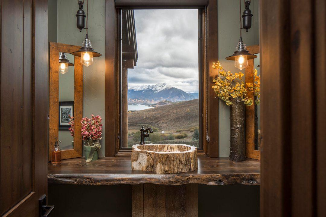 Ptarmigan Bathroom