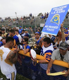 la-sp-sn-rams-oxnard