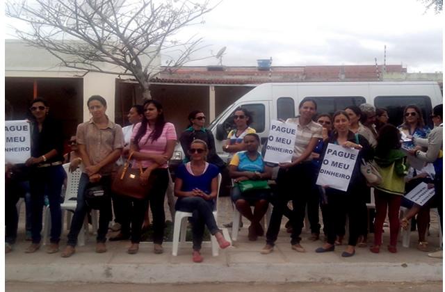 SIMA realiza ato em prol dos professores municipais que estão com seus pagamentos atrasados